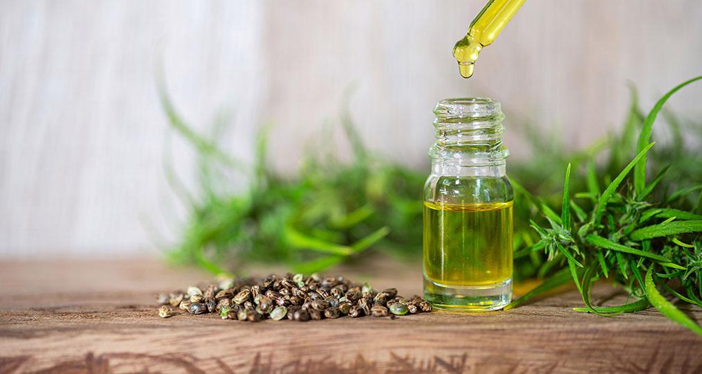 cbd oil in small bottle