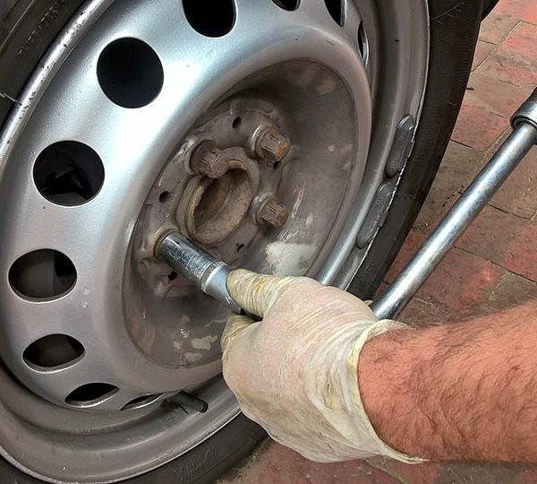 Changing the car tires