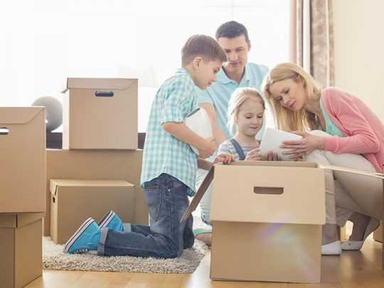Super effective ways to relocate to a new home without hiring movers