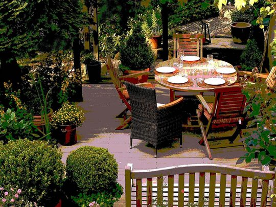 Metallic powder coating and other tricks that protect metal garden furniture