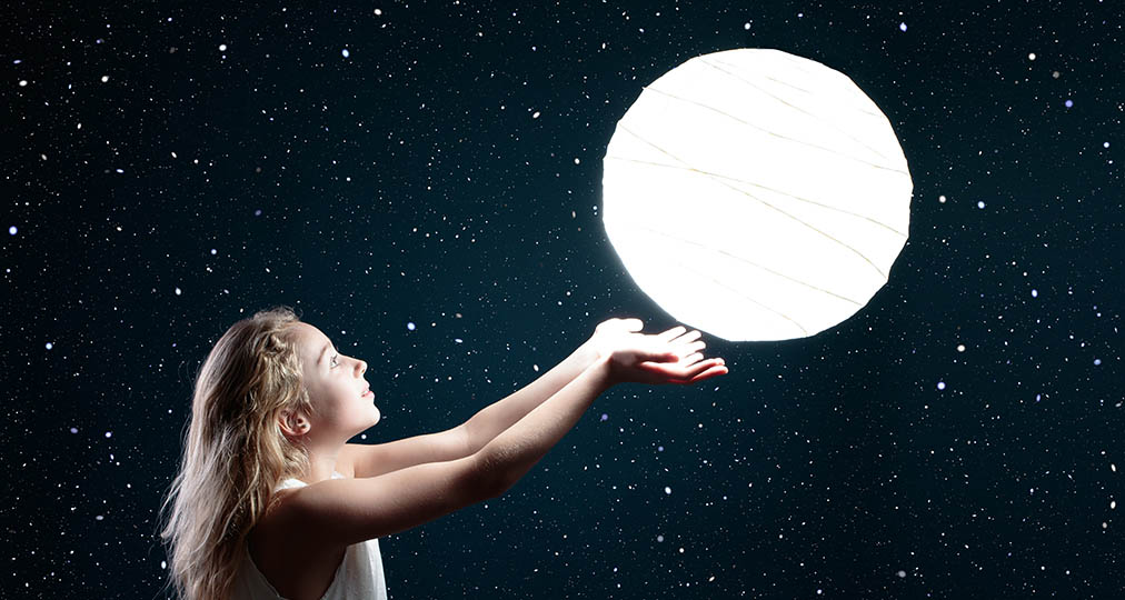 girl and moon play