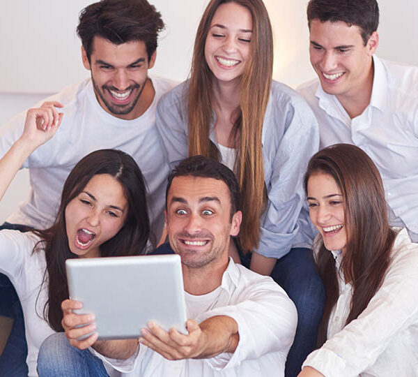 Ways to have fun with your friends at home during the weekend