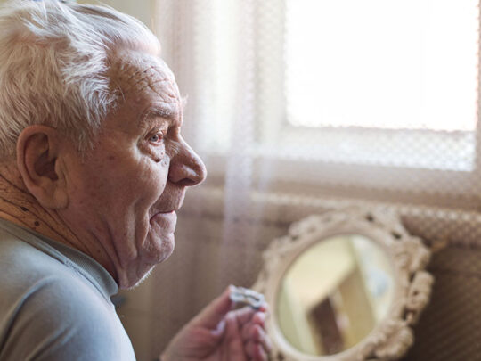 Supportive elderly care: useful ways to look after your senior family member during covid