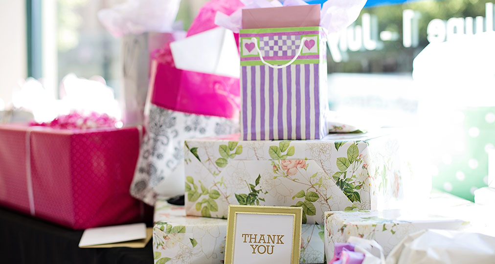 wedding gifts and thank you note