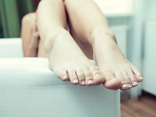 What are the signs of toenail fungus and how to get rid of it