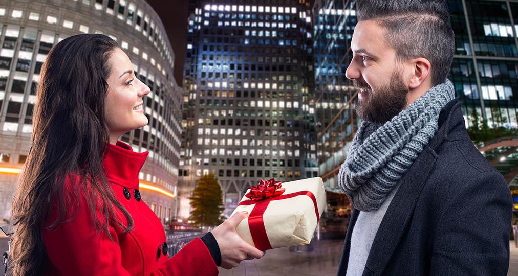 woman gifting a man