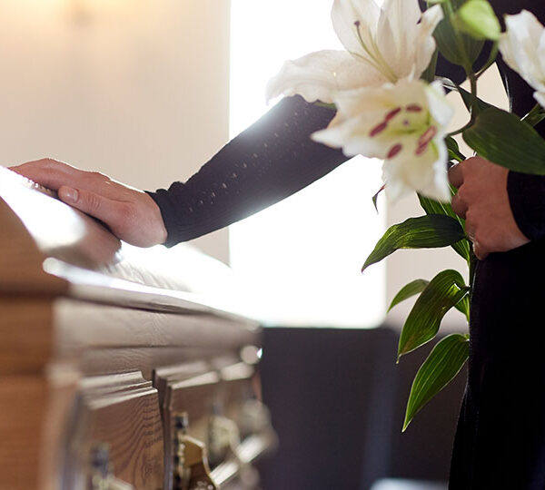 Cremation vs burial: a comparative guide